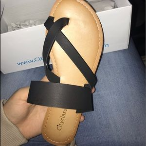 Cityclassified Shoes - Sandals black with toe space.